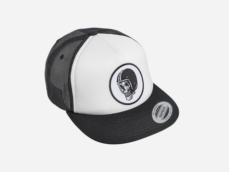 FlakeKings original skull patch, snap back, Classic white / black trucker cap.