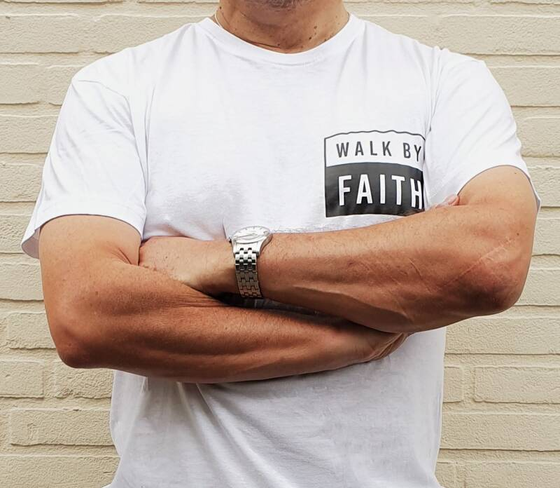 Shirt Wim // Walk By Faith // Klein Print op Borst