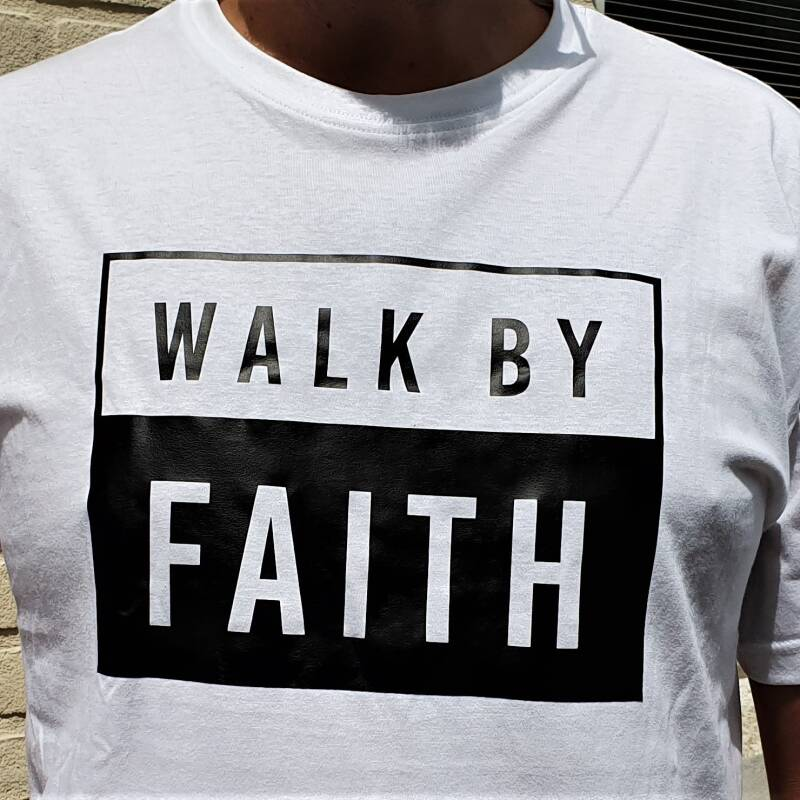 Shirt Willem // Walk By Faith // Groot Opdruk Borst