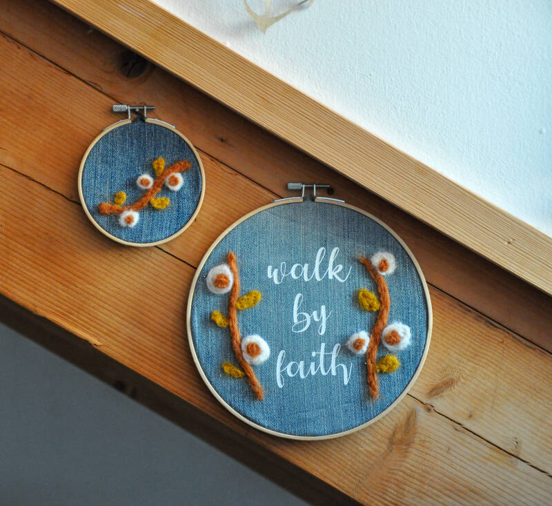 Muurhangers | Walk By Faith + Mini | Upcycled Spijkerstof