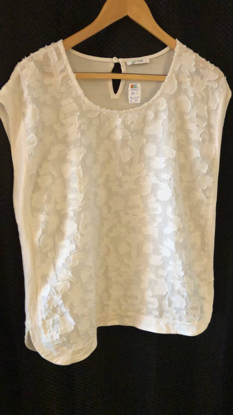 WITTE TSHIRT  LUCIA SIZE L