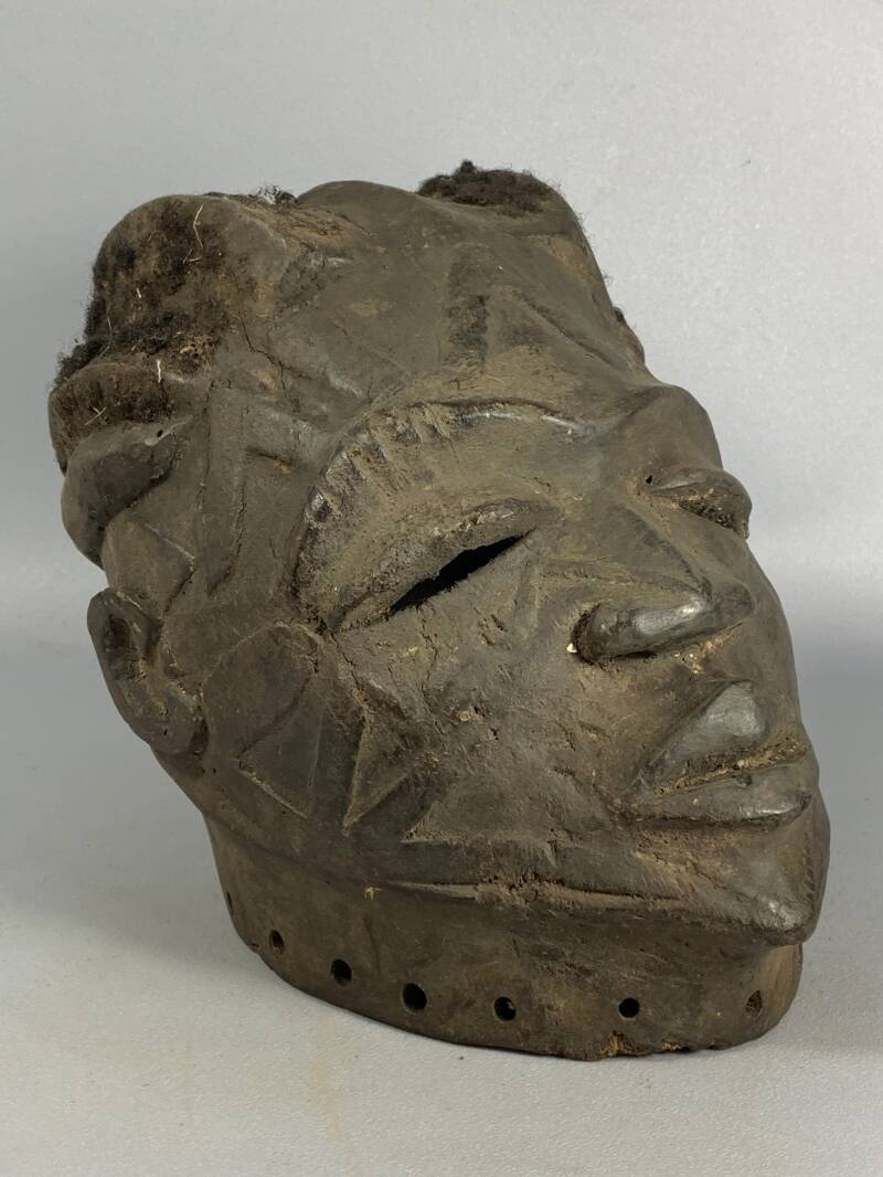 200819 - Rare tribal used old Makonde helm mask with real hair - Tanzania.