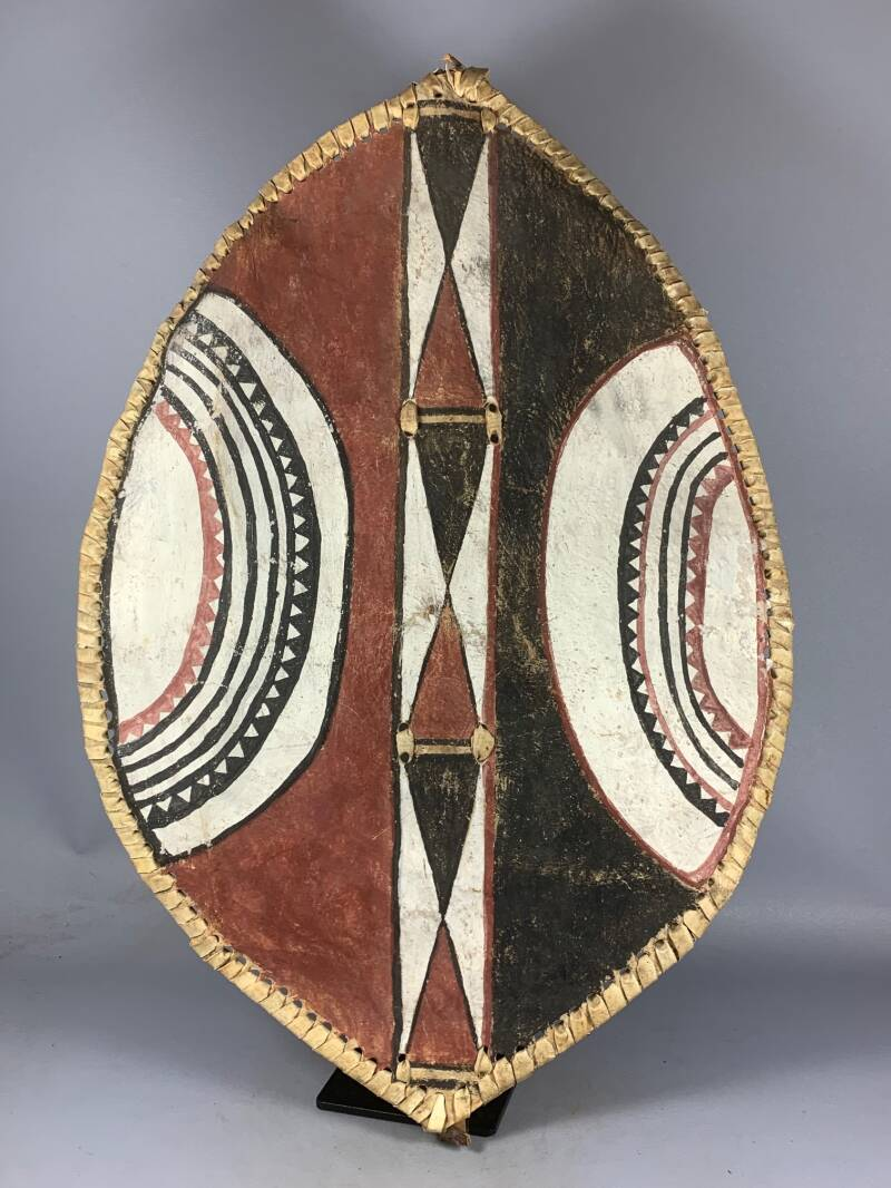 200957 - Tribal used Masaai warrior's leather shield - Tanzania.