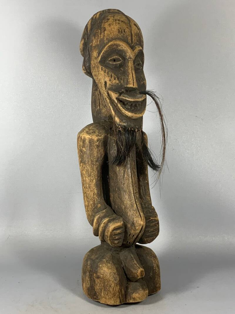 201019 - Antique & Rare Tribal used African Songye statue - Congo.