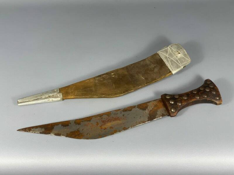 180951 - Tribal used Old African Ethiopian Afar sword with leather case Ethiopia