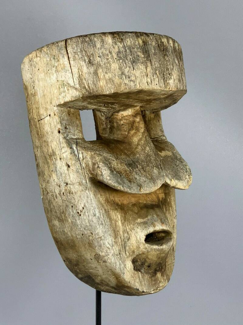 190909 - Old and Tribal used African Bete mask - Iv. Coast.