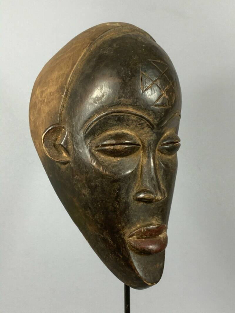 200451 - Tribal Used Old African mask from the Chokwe - Angola