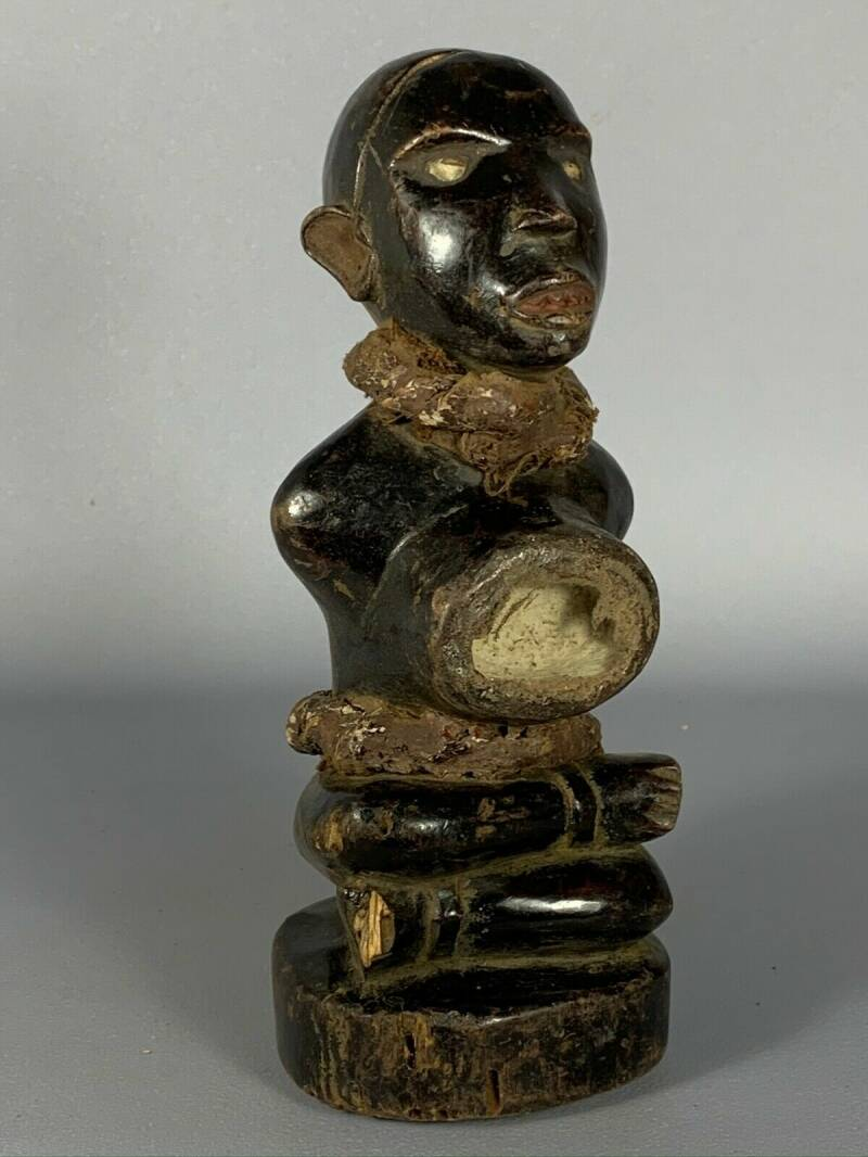 191017 - Old Tribal used African Fetisch Yombe figure - Congo.