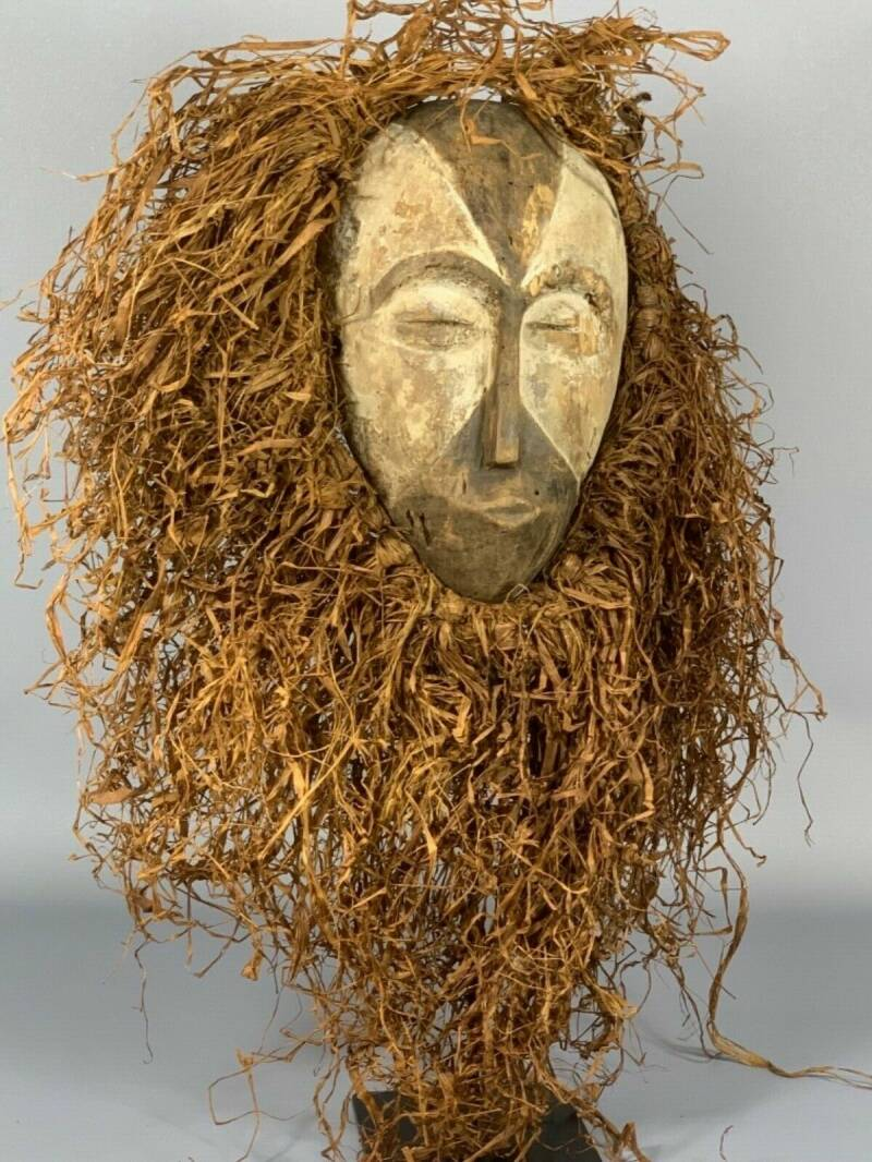 190302 - Old African Tribal used mask from the Galoa - Gabon.