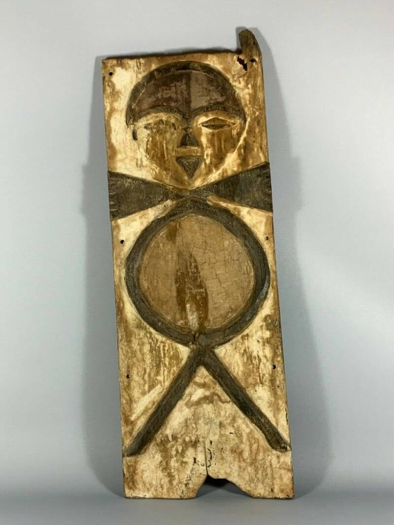 190320 - Large Old Tribal used African Window from the Vuvi - Gabon.
