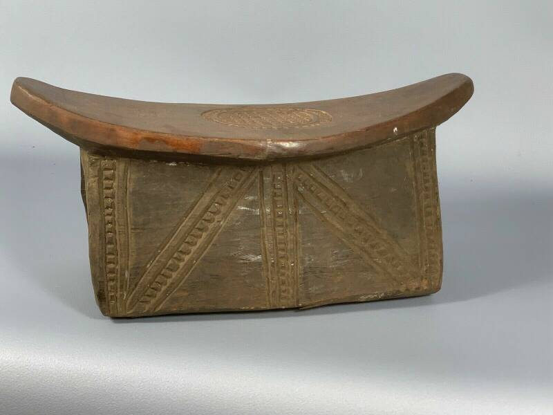 191027 - Rare and Old Tribal used African Namji stool - Cameroon.
