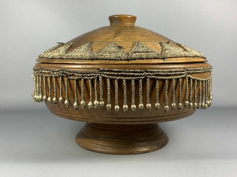 200535 - Antique Large heavy Wooden Ethiopian Food Container - Ethiopia.