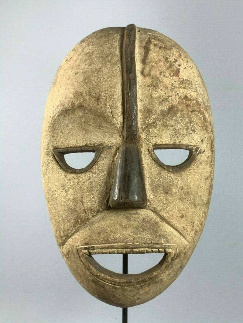 200345 - Old Tribal used African Mask from the Fang - Gabon.