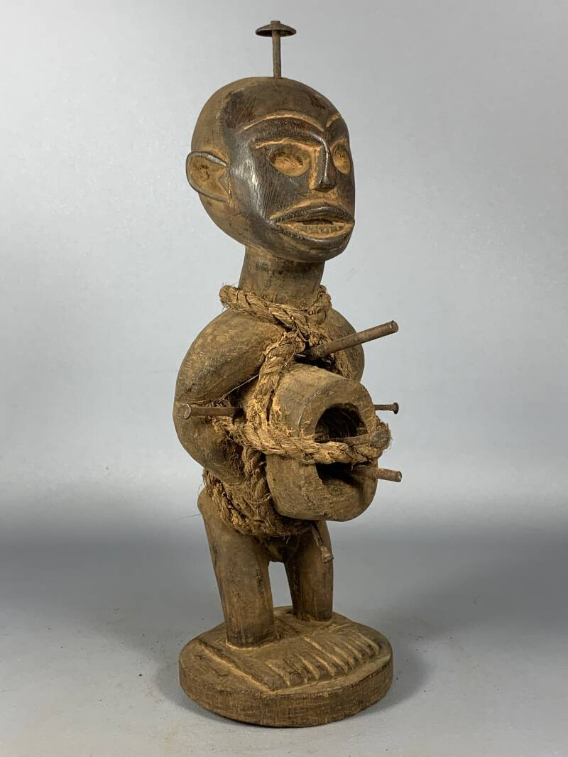 200727 - Old Tribal used African Bakongo magic nail statue - Congo.