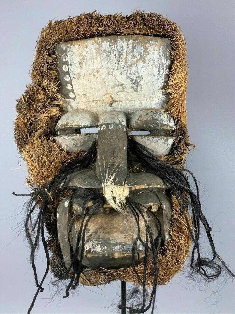 190937 - Old tribal used African We Guere mask - Iv. Coast.