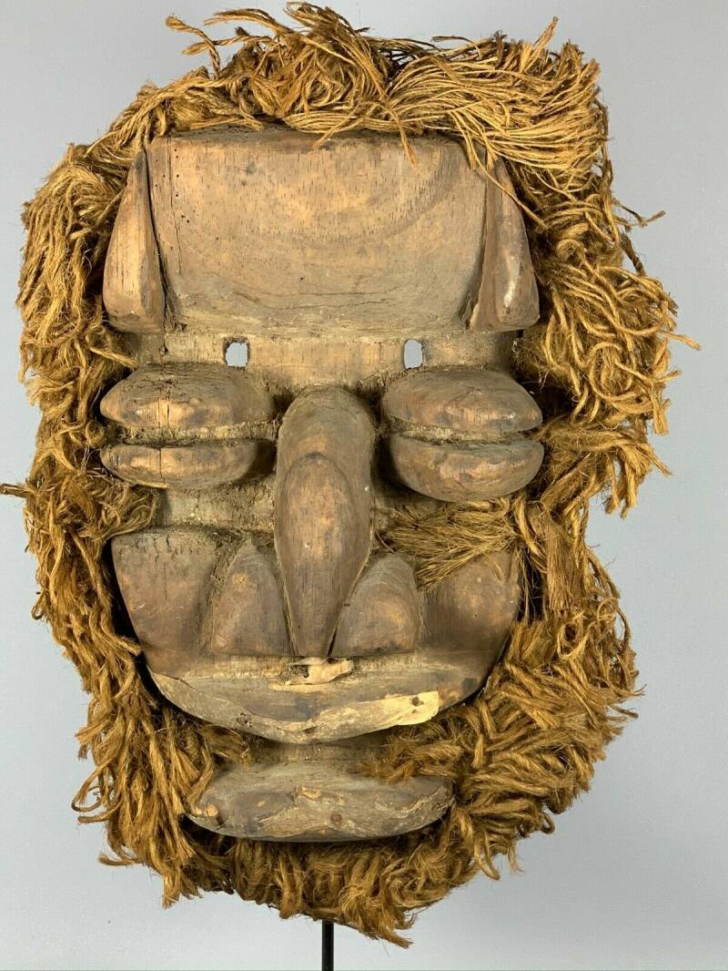 191019 - Old tribal used African We Guere mask - Iv. Coast.