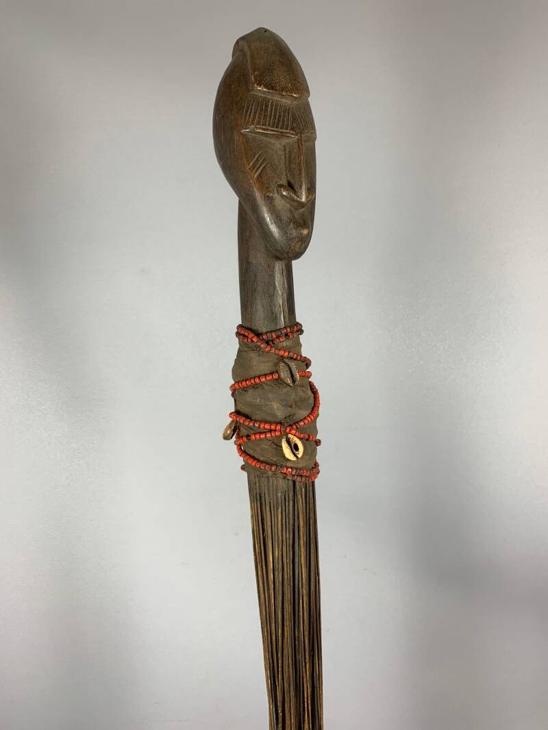 201218 - Old Tribal used African Dogon broom with head - Mali.