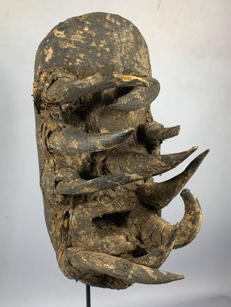 210211 - Old and Rare Tribal used African Old Gle Bete horn mask - Iv. Coast