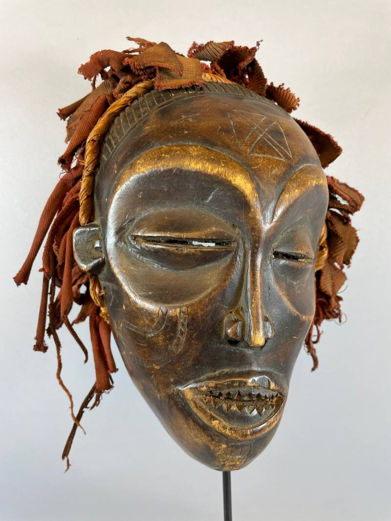 210867 - Antique Tribal Used African mask from the Chokwe - Angola.