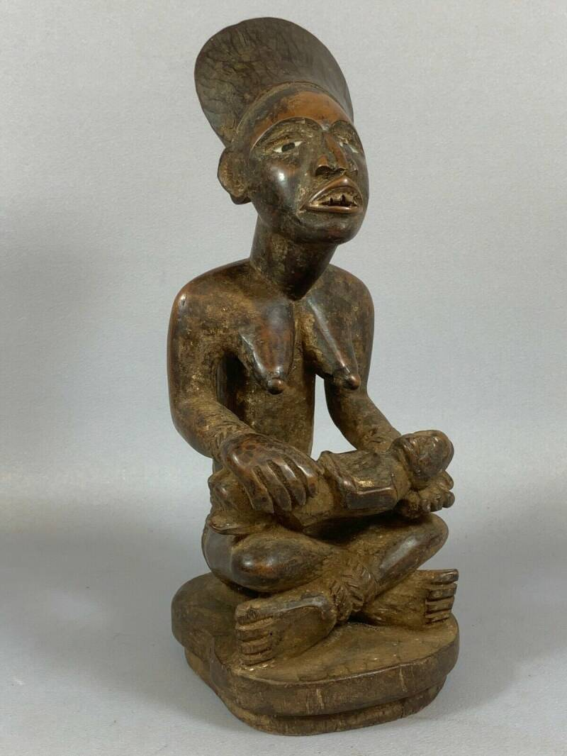 210304 - Old Tribal used African Yombe phemba (maternity) statue - Congo.