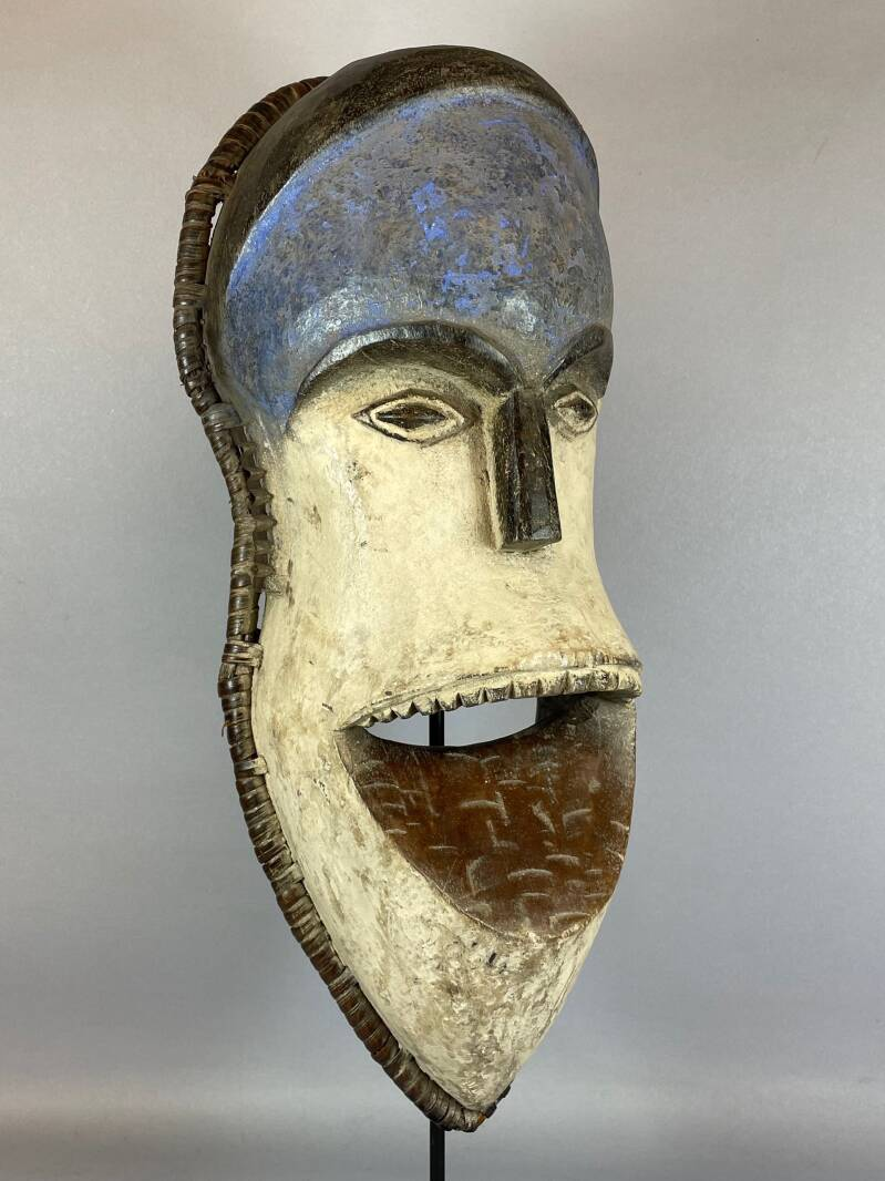 210640 - Old African mask from the Pende - Congo