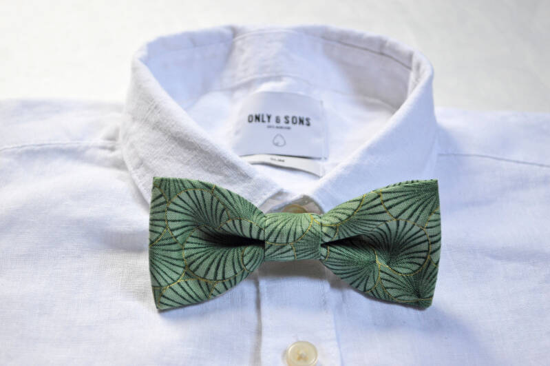 Handmade bow tie - New leaf