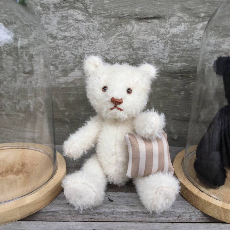 Bell-glass bear - white