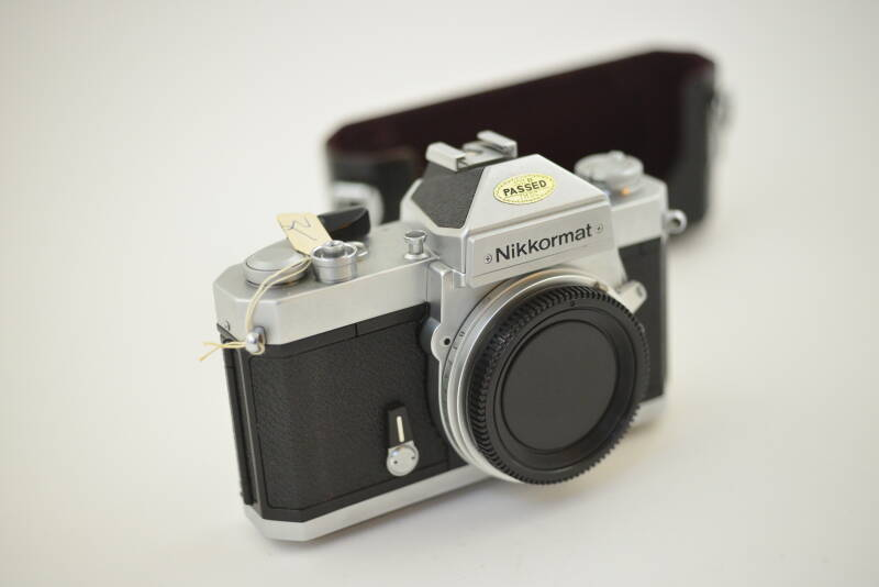 Nikon  -  Nikkormat FT3  -  Chrome body mint! ser. nr. 6011102