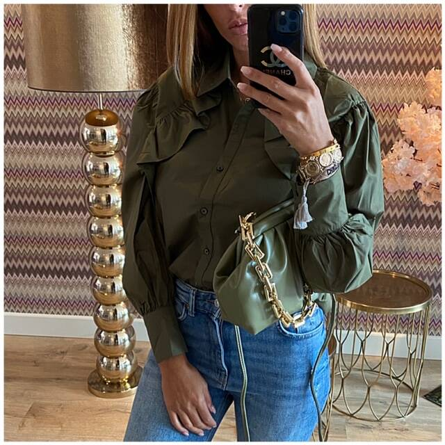 Green rouge blouse