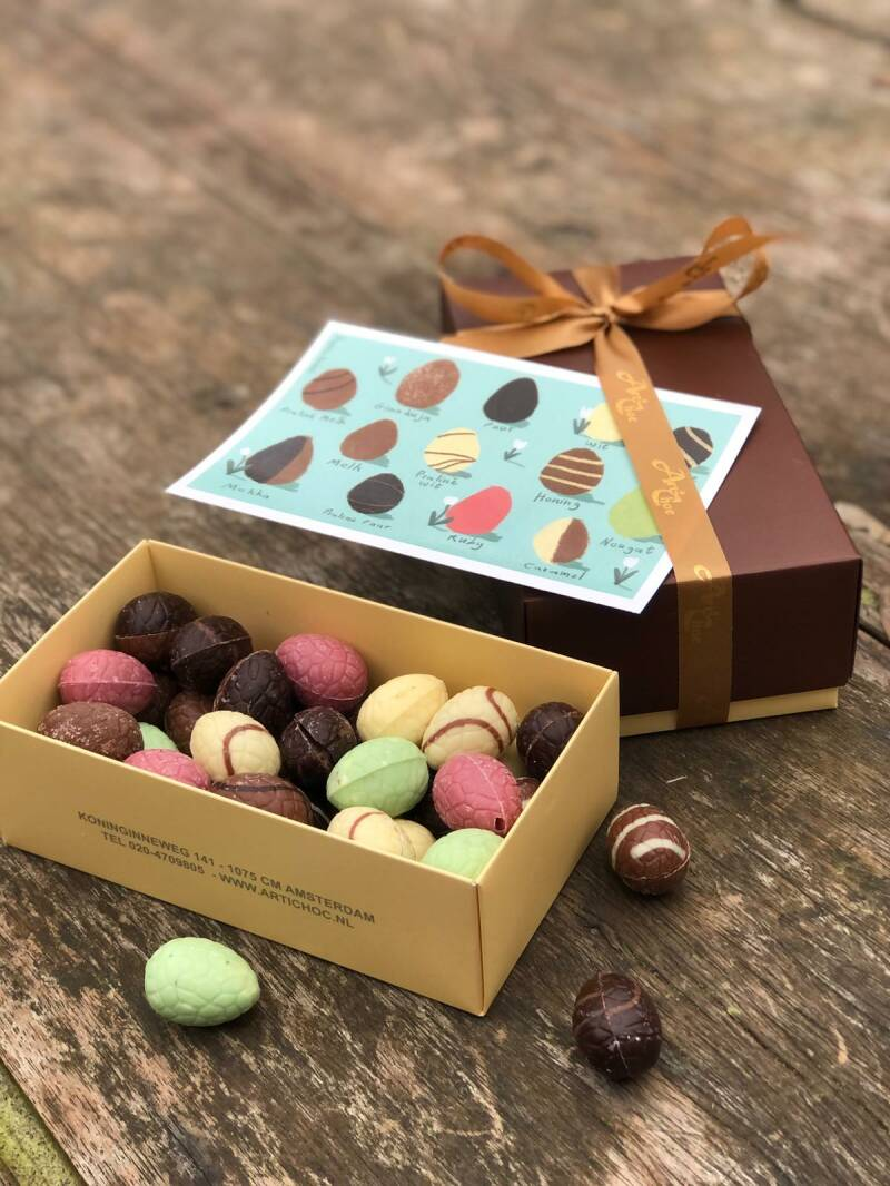 Box with mixed Easter eggs