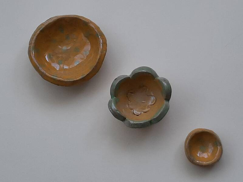 Yellow and jade dipping sauce dishes