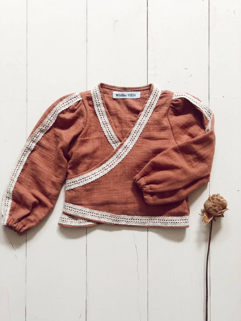 Wrapvest Rusty lace