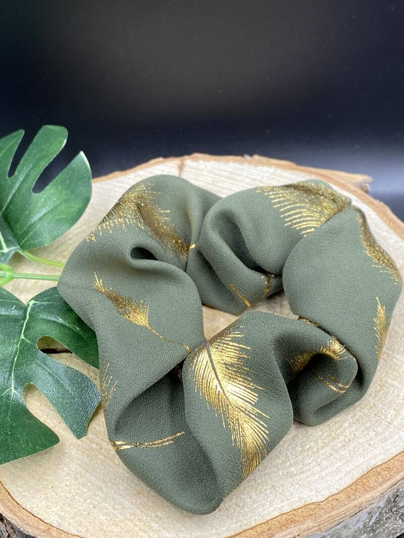 "Scrunchie ""Golden Feather"" (groen)"