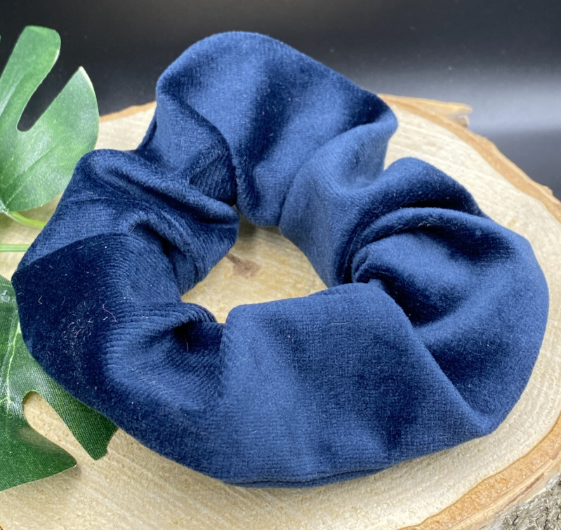 "Scrunchie ""Winter Chai"" (donker blauw)"