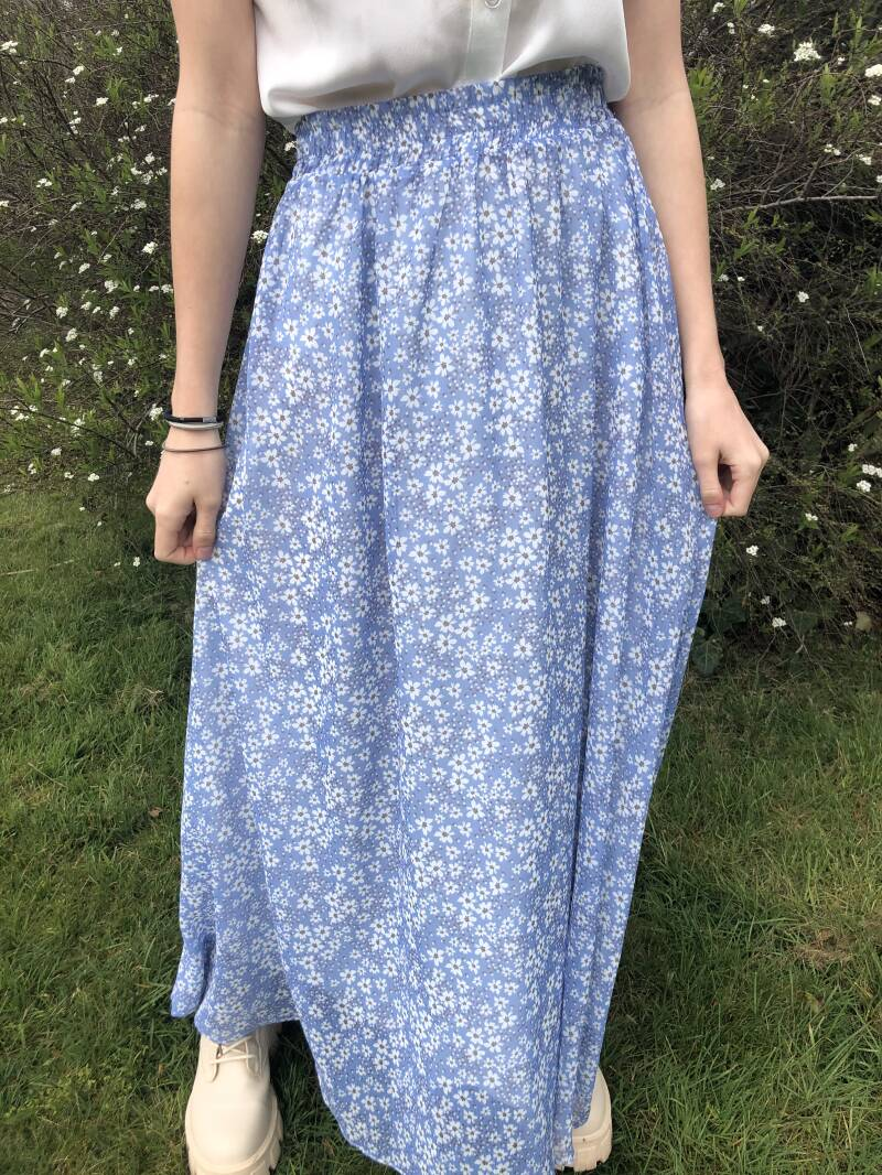 Blue love skirt • YENTLK