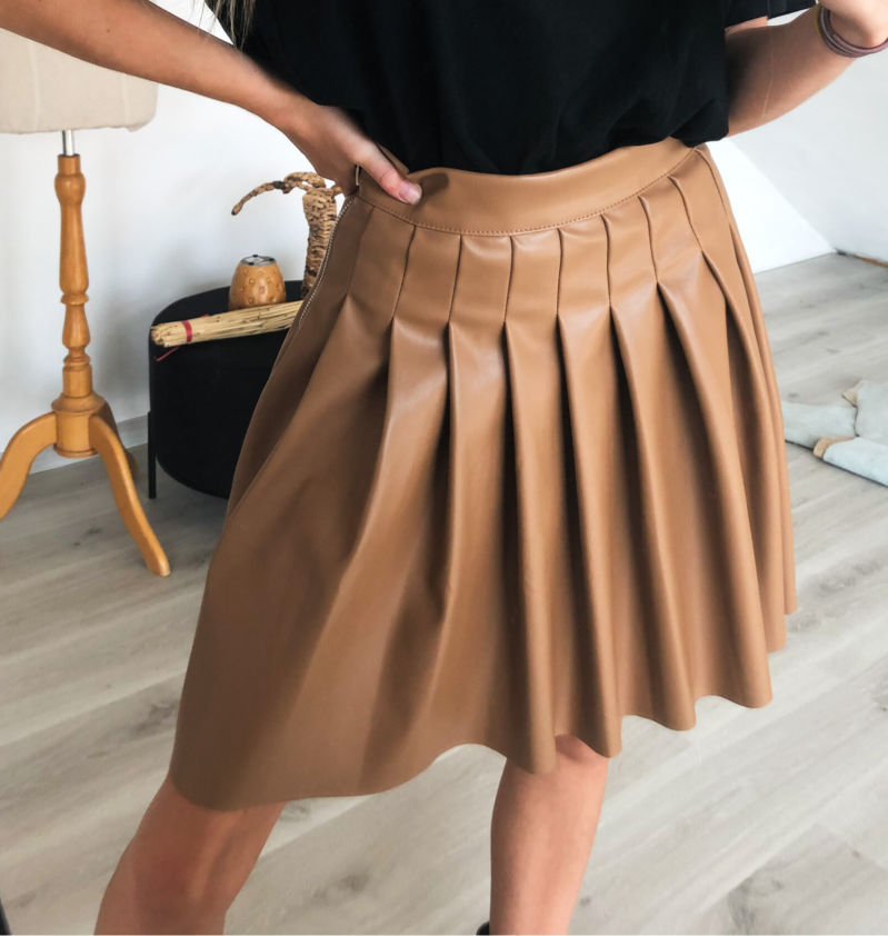 Brown leather plissé skirt
