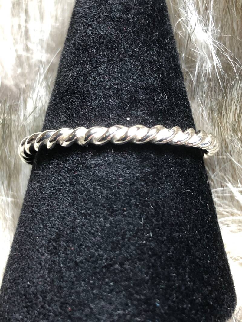 Zilveren twisted ring,leuk als stapelring