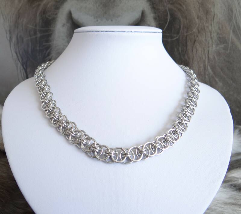 Chainmail collier Helm Weave