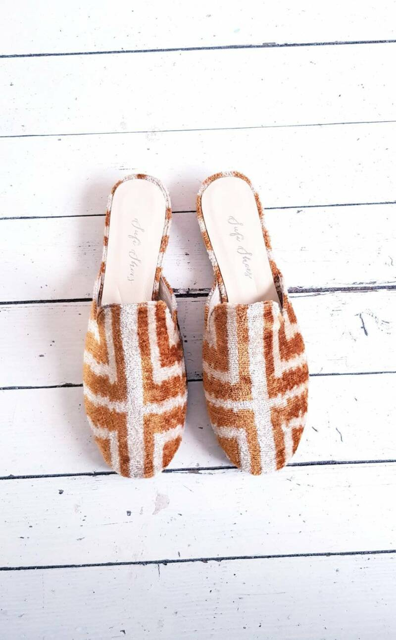 Ikat Velvet Mule Brown