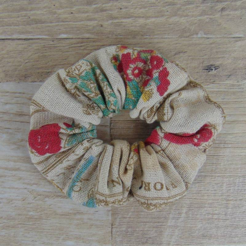 Scrunchie Vintage Look Flowers