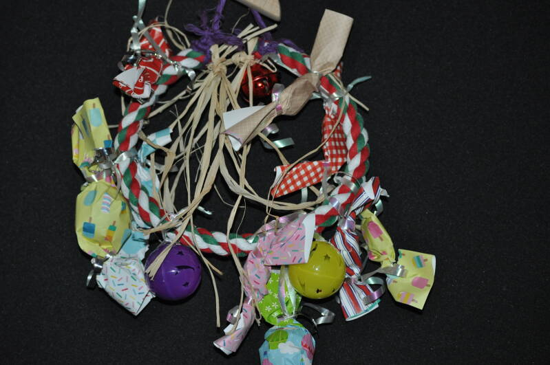 Handmade Christmas Toy Ring for Parrots