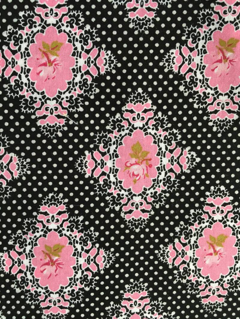 Mondkapje 'Rose dot black'