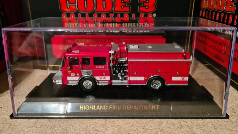 Code 3 Collectibles - Highland Fire Dept - ALF Engine ME541