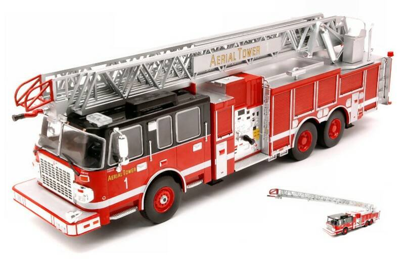 IXO Models - Smeal 105 Aerial Ladder, Chicago Fire Department