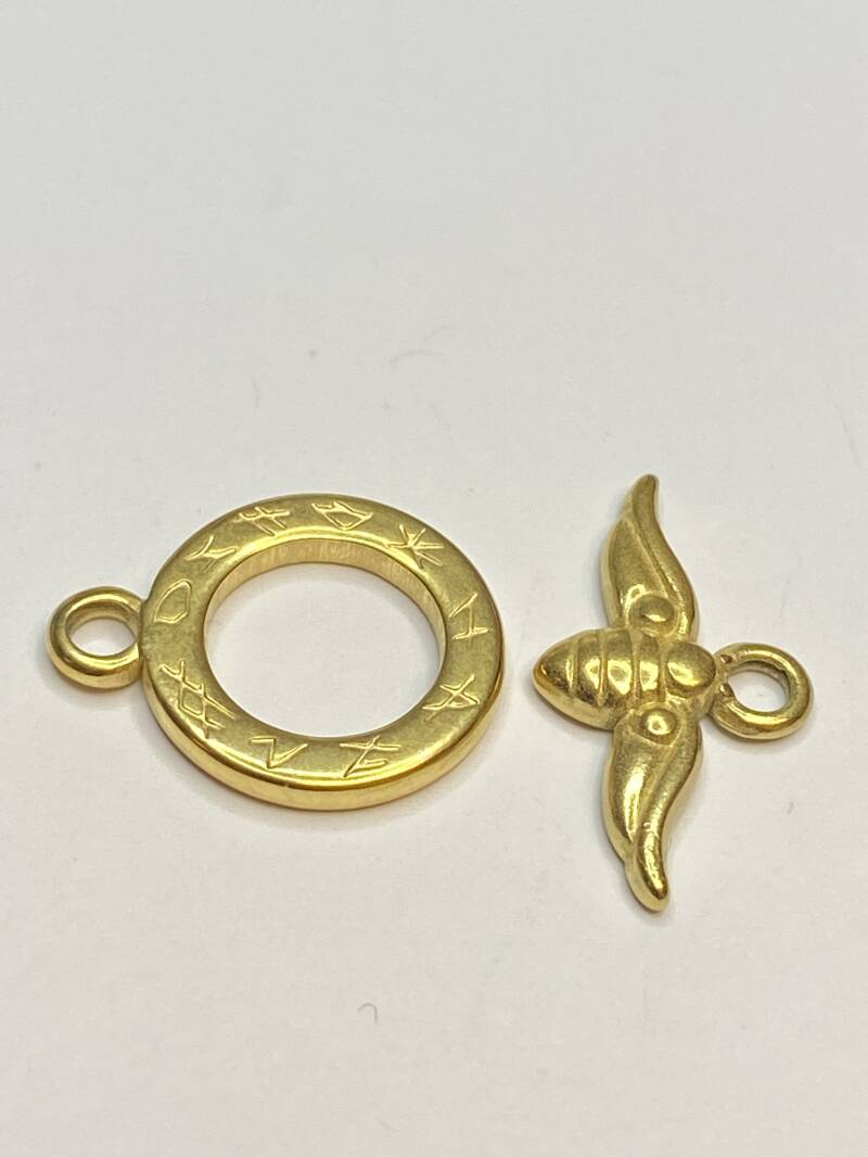 Toggle Clasp Bumble Bee 16mm Gold Tone