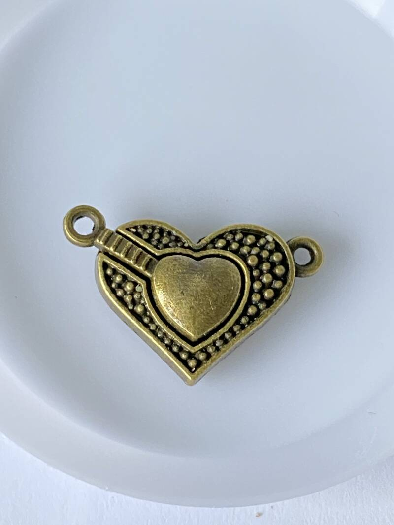 Magnetic clasp 25x15mm Old Gold tone