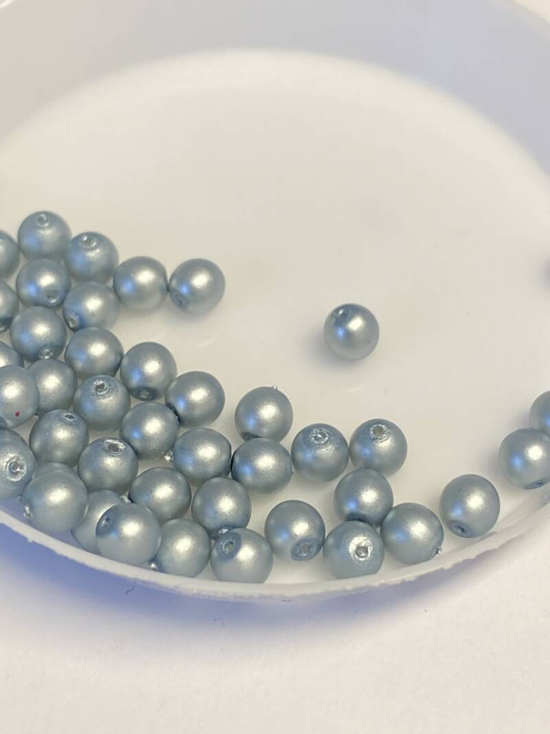 Round Beads Glass 4mm Cerulean Satin
