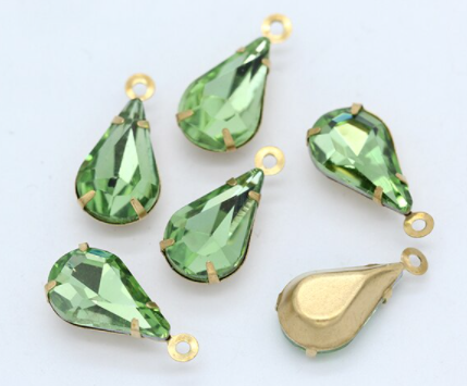 Glass Drop Pendant 13x8mm Peridot