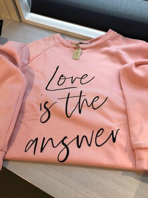 """Trui """"Love is the answer"""""""