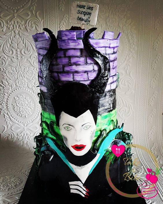 Halloween Collaboration 2017&#x3B; Maleficent cake, Evil always wins!